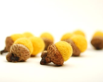 Felted Acorns, yellow autumn fall thanksgiving nature woodland decor lemon ecofriendly