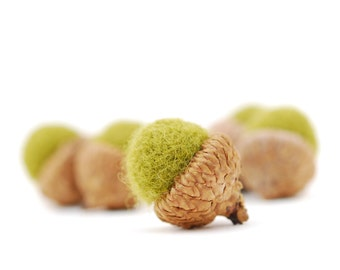 Felted Acorns, green autumn fall thanksgiving nature woodland decor moss ecofriendly