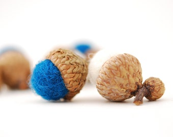 Felted Acorns, blue white holiday festive decor ecofriendly