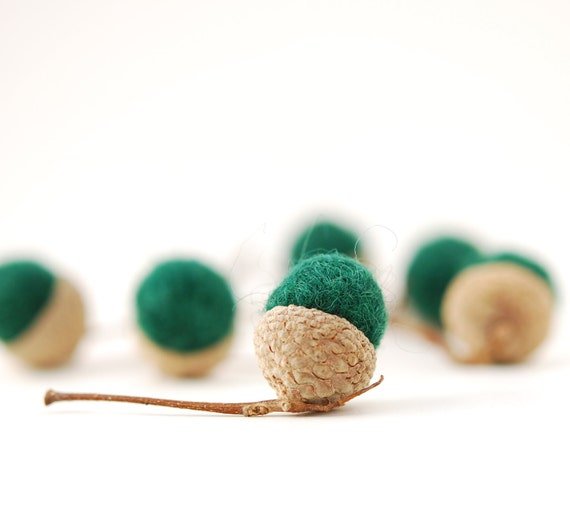 Felted Acorns, green evergreen autumn fall thanksgiving christmas holiday nature woodland decor ecofriendly