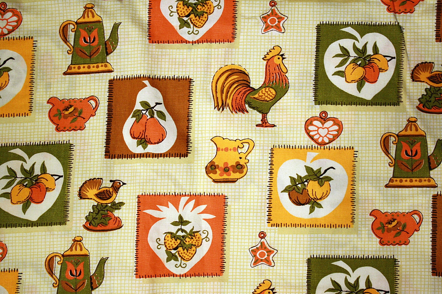 Cotton Fabric Yardage: Vintage 70s Kitchen Print Roosters