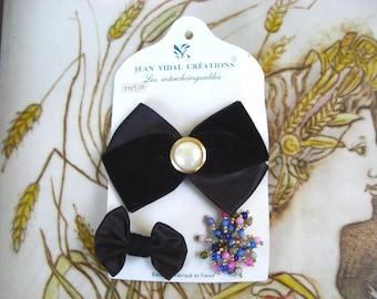 French Vintage black velvet flower hair clip brooch pin.