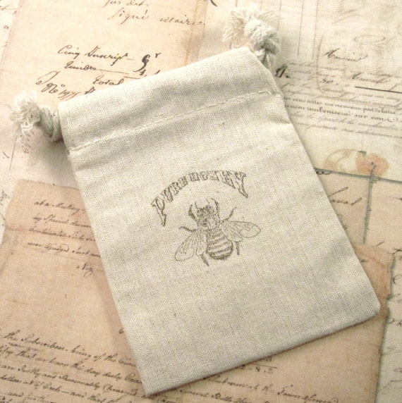 5 Favor Bags - Honey Bee - Hand stamped - Cotton Muslin