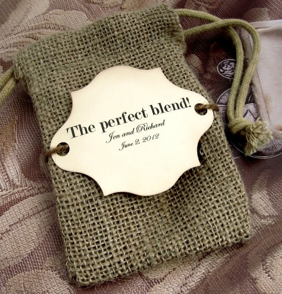10 Burlap Wedding Favor Bags - The perfect blend - Personalized