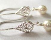White pearl earrings, Sterling Silver, Swarovski pearl earrings, Silver filigree earrings, Wedding jewelry, bride bridesmaid gift