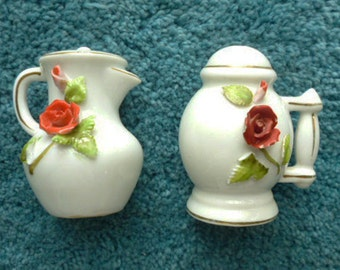 1950s JAPAN Salt and Pepper Shakers