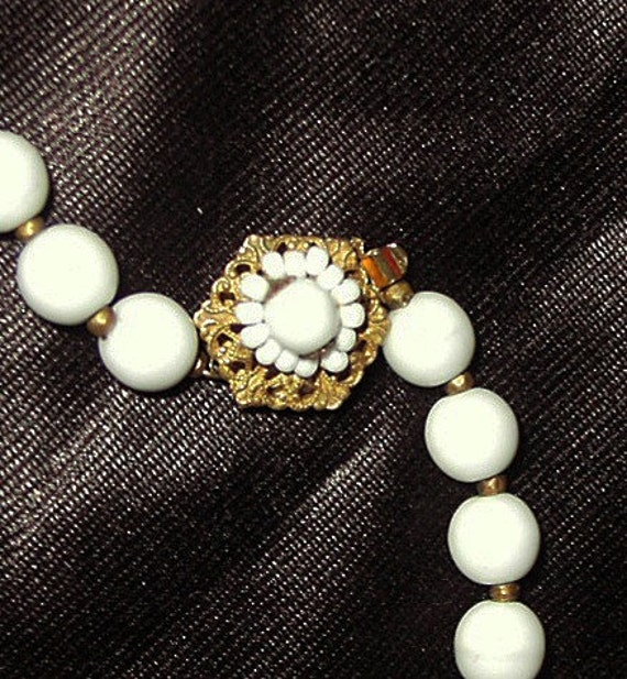 REDUCED Miriam Haskell white milk glass bead necklace