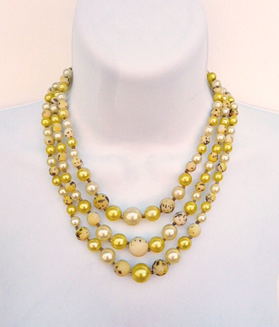 1960's - 1970's Necklace and matching clip on button earrings.