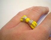 Stretch ring - yellow and silver seed beads - elastic adjustable
