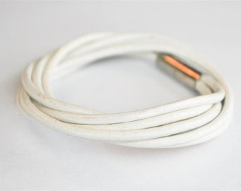 Triple Round White doublewrapped Magnetic leather bracelet