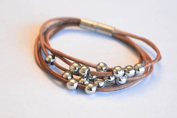Mutilaced Light Brown rolling ball with magnetic leather bracelet