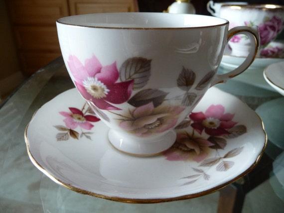 Royal Vale Fine Bone China English Vintage Teacup & Saucer Set - Wild Roses with gilt trim