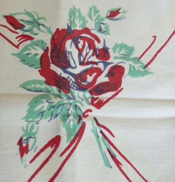 Printed Vintage Tablecloth / Napkin Set - Red Bows and Red Roses with Jadite Leaves