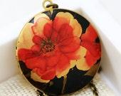 Locket,Brass Locket,Picture Locket,Photo Locket,Red Poppy Flower Locket -The Retro Floral  Photo Image Round Locket