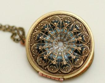 Personalized Locket, Poppy Locket,Resin locket,Blue Locket,filigree locket necklace,photo locket , brass locket,Wedding Necklace