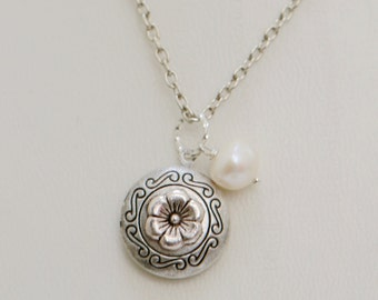 Locket,Silver Locket,Antique Locket,Girl,Child,Baby,Girl Locket,White Pearl,Flower