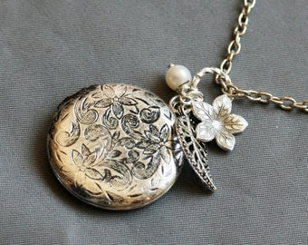 Silver Locket,Locket,Flower,Pearl,Forget Me Not Locket,Filigree Leaf,Locket Necklace,Wedding Necklace