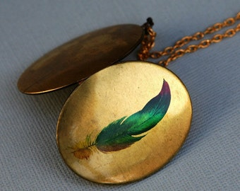 Locket,Photo Locket,Feather Locket,Oval Brass Locket