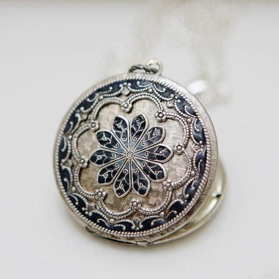 Locket Necklace,Jewelry Gift, Silver Locket,Blue Locket,filigree locket necklace,photo locket,Wedding Necklace,bridesmaid necklace