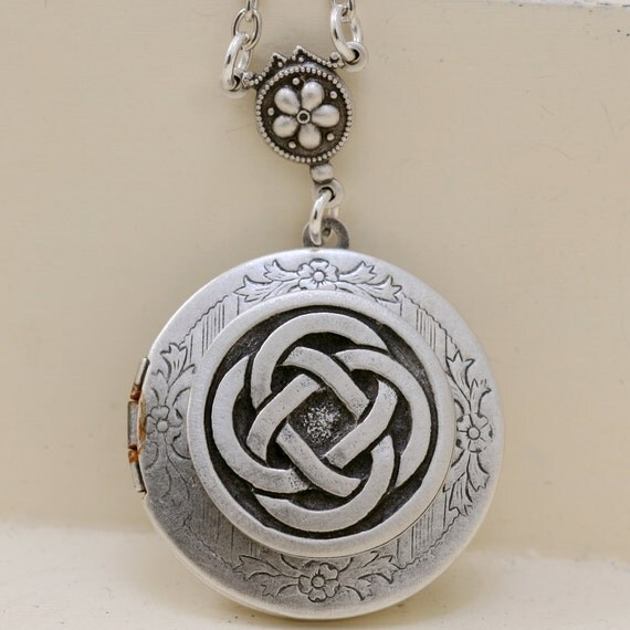 Celtic Knot,Claddagh,Antique Locket,Silver Locket,Irish,Lucky, Silver Celtic Friendship Locket,