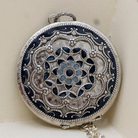 Locket, Silver Locket,Jewelry Gift,Pendant,Blue Locket,filigree locket necklace, filigree locket,Wedding Necklace,Valentines Day