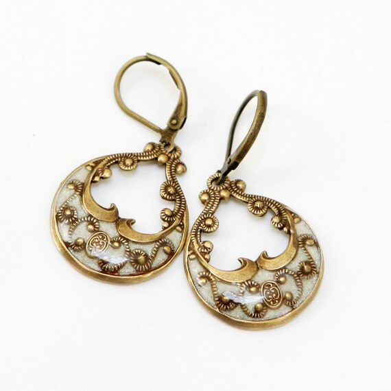 Earrings,Brass Earrings, jewelry gift,Vintage Style Earrings,White Filigree Earrings,Wedding Earrings