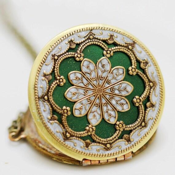 Locket,Green locket,filigree locket necklace,resin locket,photo locket ,bridesmaid Brass locket- vintage locket, 38mm locket
