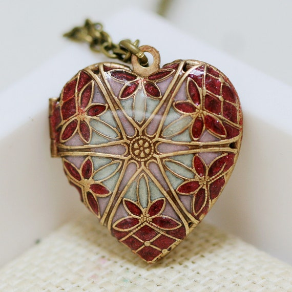 Resin Locket,Filigree Locket,Red Heart Locket,Brass Locket,Ruby, White, Pink Filigree Heart Resin Locket,Wedding Necklace