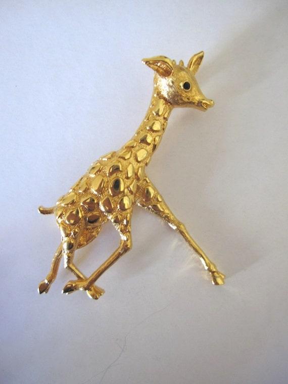 Vintage Signed Monet Wildlife Figural Giraffe Gold Tone Brooch / Pin, Rhinestone Crystal Eye