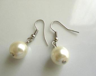 Pearl earrings - Bridal earrings - Bridesmaids earrings