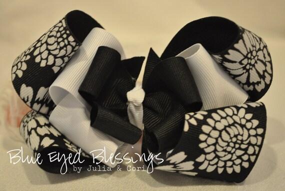 Elegant Black and White Boutique Hair Clip