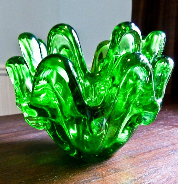 Bright green organic shaped nested candle holders