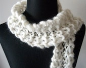 Chunky hand knitted cream scarf