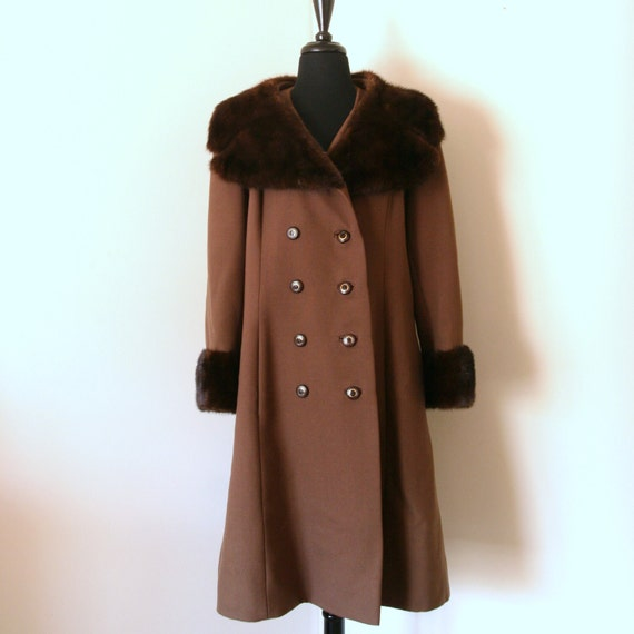 Vtg Whiskey Coat with Fur-- size L
