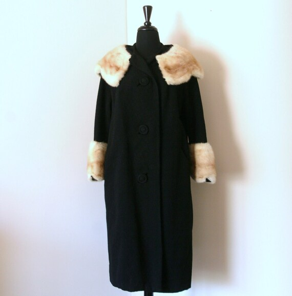 RESERVED-- Scalloped Mink Fur Retro Textured Boucle Coat -- L-2X