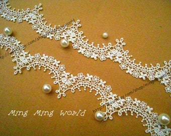Venice Flower Lace Trim - 1.5 Yards Ivory Flower Wave Lace Trim (L320)