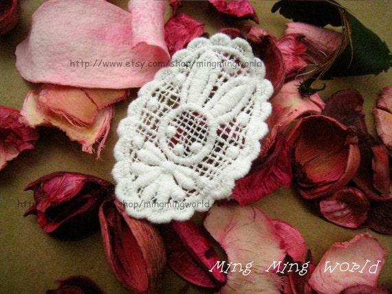 Cotton Embroidery  Applique Trim - 2 PCS White Lovely Bunny  Applique Lace