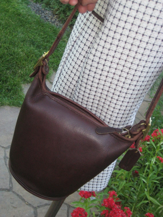 Rare Vintage Brown Coach Round Bucket Bag  Handbag  Great Condition with Hang Tag
