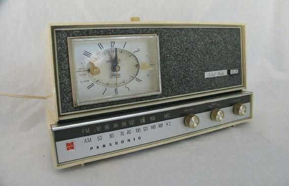 Vintage Panasonic Clock Radio Model RC 615 Man Cave Mantique