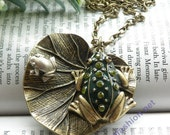 Pretty retro copper green crystals skin Frog prince with silver frog in heart lotus leaves necklace pendant jewelry vintage style