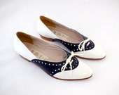 1960s Van Eli Black and White Leather Flats  Size 5 1/2 M