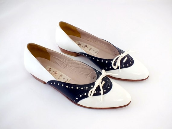 1960s Van Eli Black and White Leather Flats  Size 5 1/2 M