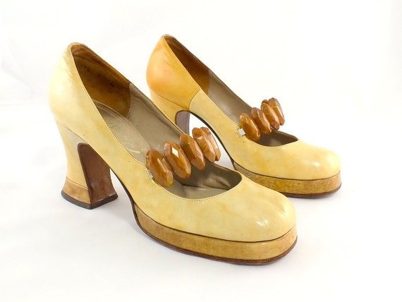 1970s Funky Two-Tone Platform Shoes Size 7