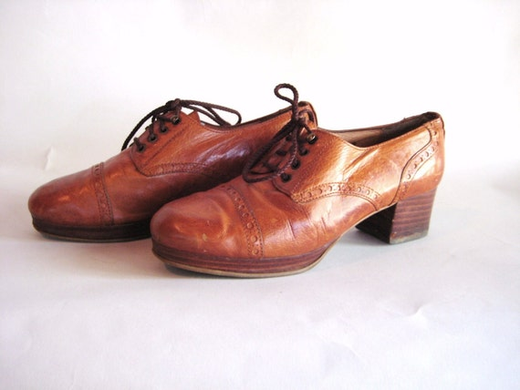 SUPER SALE Gorgeous Vintage 70's Leather Platform Oxfords with Stacked Heel Made in Spain by Draks Sax 6.5/7