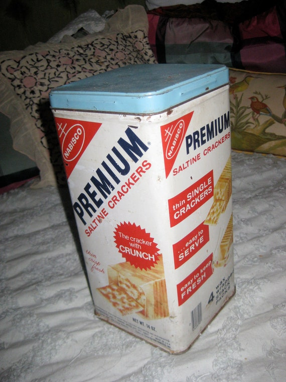 ON SALE Vintage Nabisco Saltine Cracker Tin