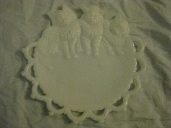 Antique Vintage Victorian Milkglass 3 Kittens Decorative Plate
