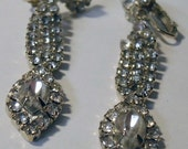 Gorgeous Vintage Rhinestone Earrings, Drop style with marquis cut stone