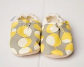 Mod Bison Booties 18 to 24 Months Size 5 6 toddler slippers modern dots gray Ready to Ship