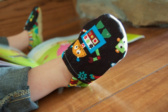 Robot Bison Booties Size 6 to 12 Months Ready to Ship Toddler Baby Newborn Gift Size 2-3