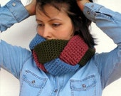 Multicolor Tris Cowl 3D Crocheted Cowl Woman Fashion Neckwarmer